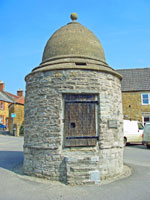 Castle Cary in Somerset was the native home of Parson James Woodforde. This lock-up for offenders was built in 1779 at a cost of £23