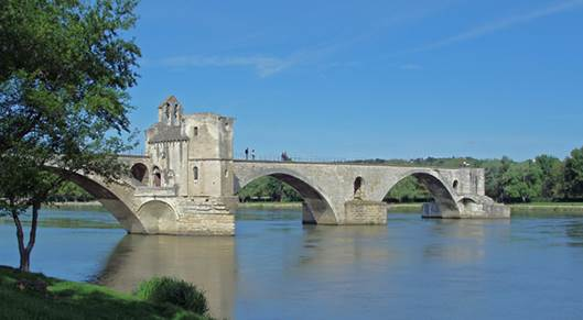 The broken bridge at Avignon (the 'Pont d'Avignon')